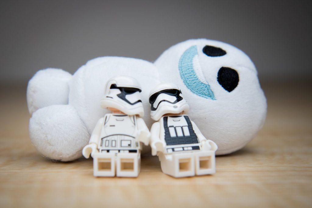 003 Stormtroopers and Snowmen